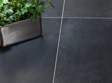 Andesiit Must 300x600, matt